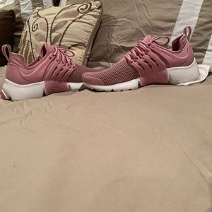 Nike Shoes - ****SOLD***Women's presto running shoes.